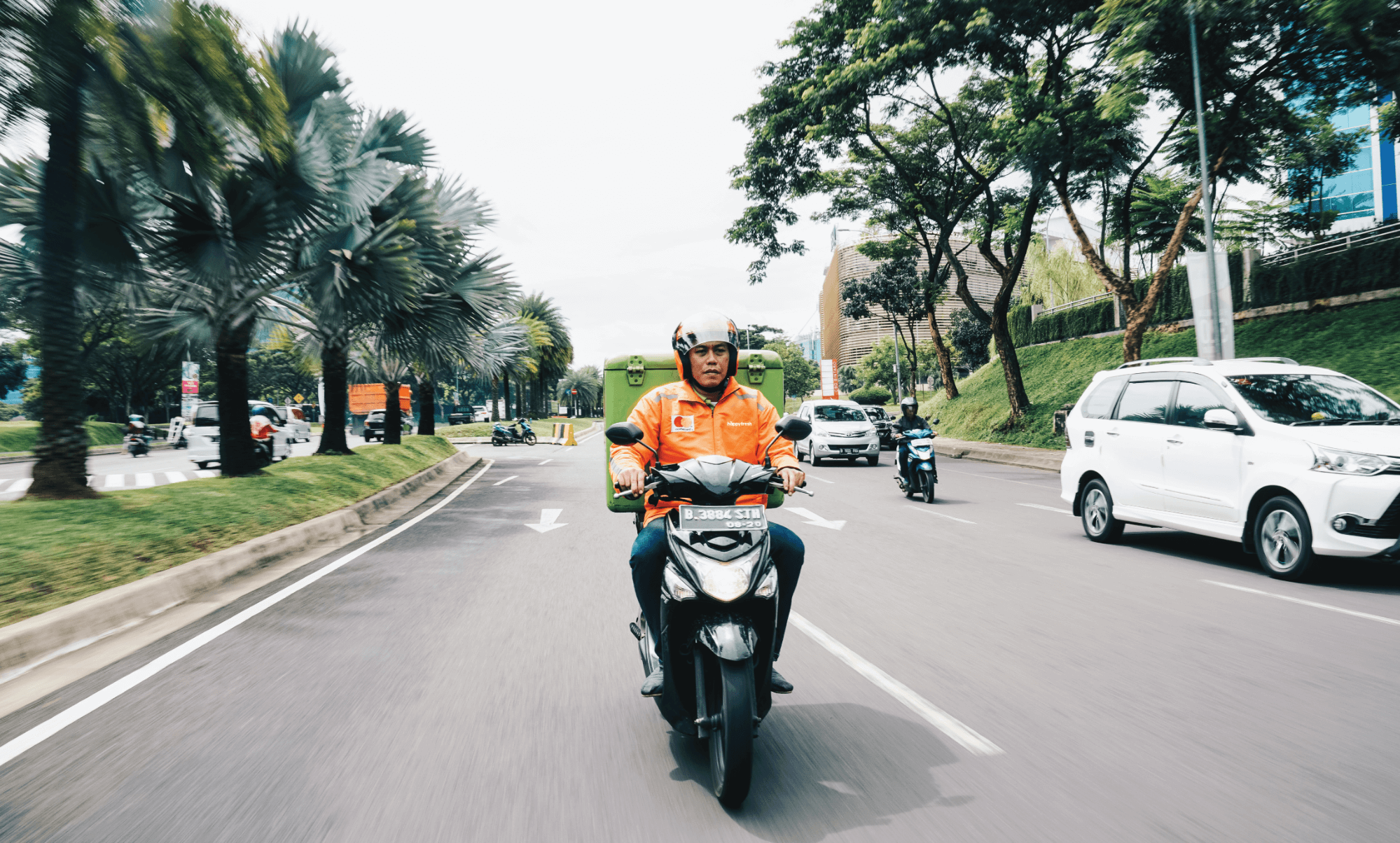 HappyFresh rider sending groceries
