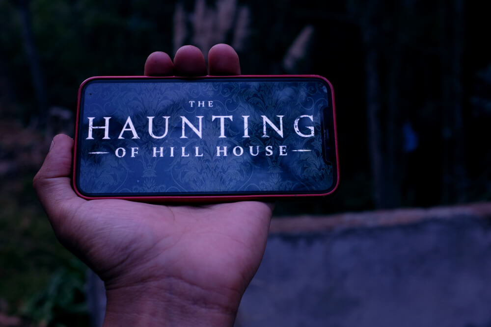 Binge watch The Haunting of Hill Houses on your mobile.