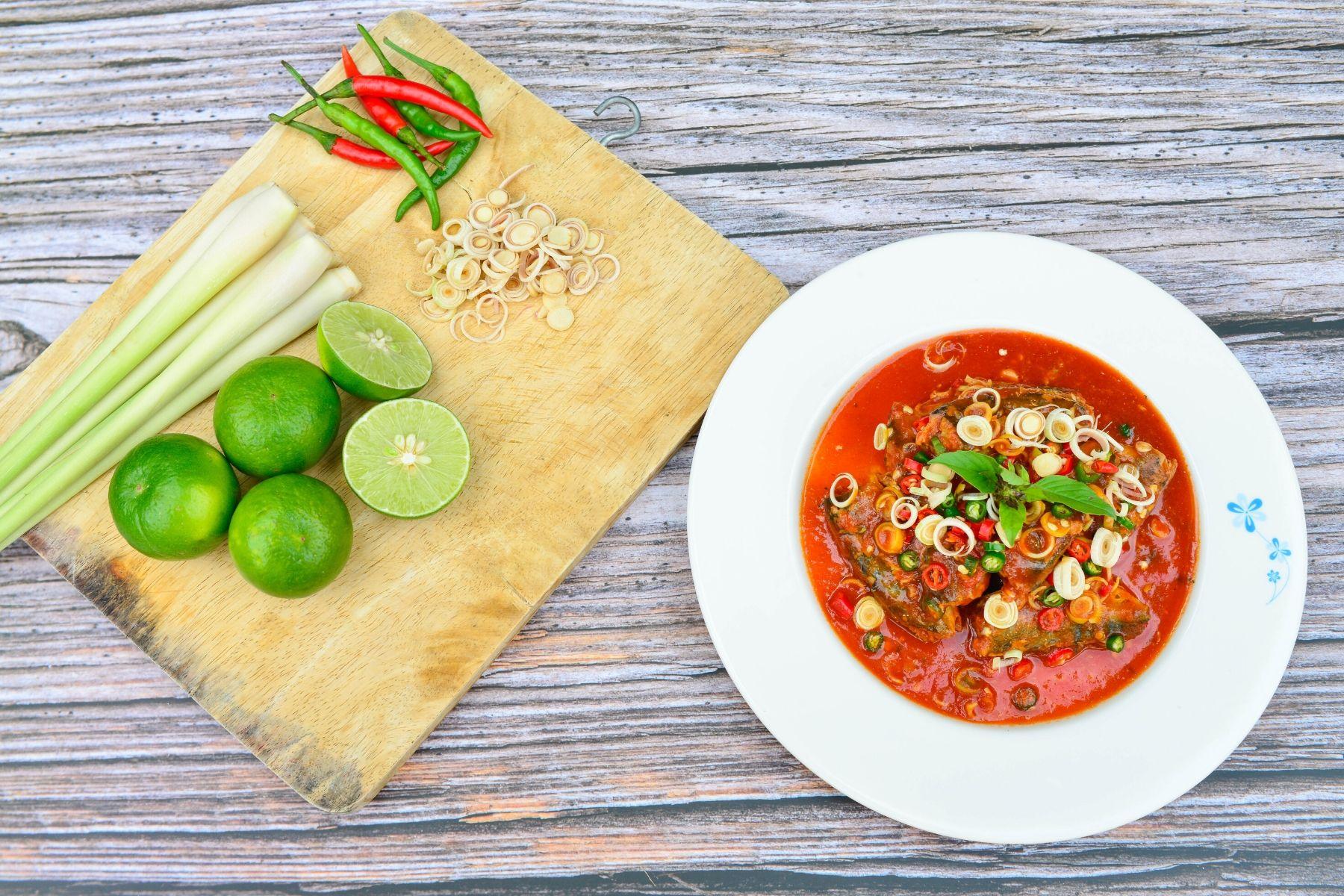 HappyFresh_Thai_Sardine_Salad_Cooking