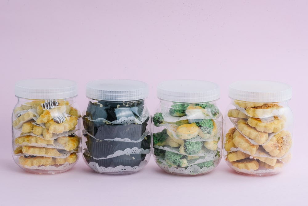 Raya cookies arranged in different jars