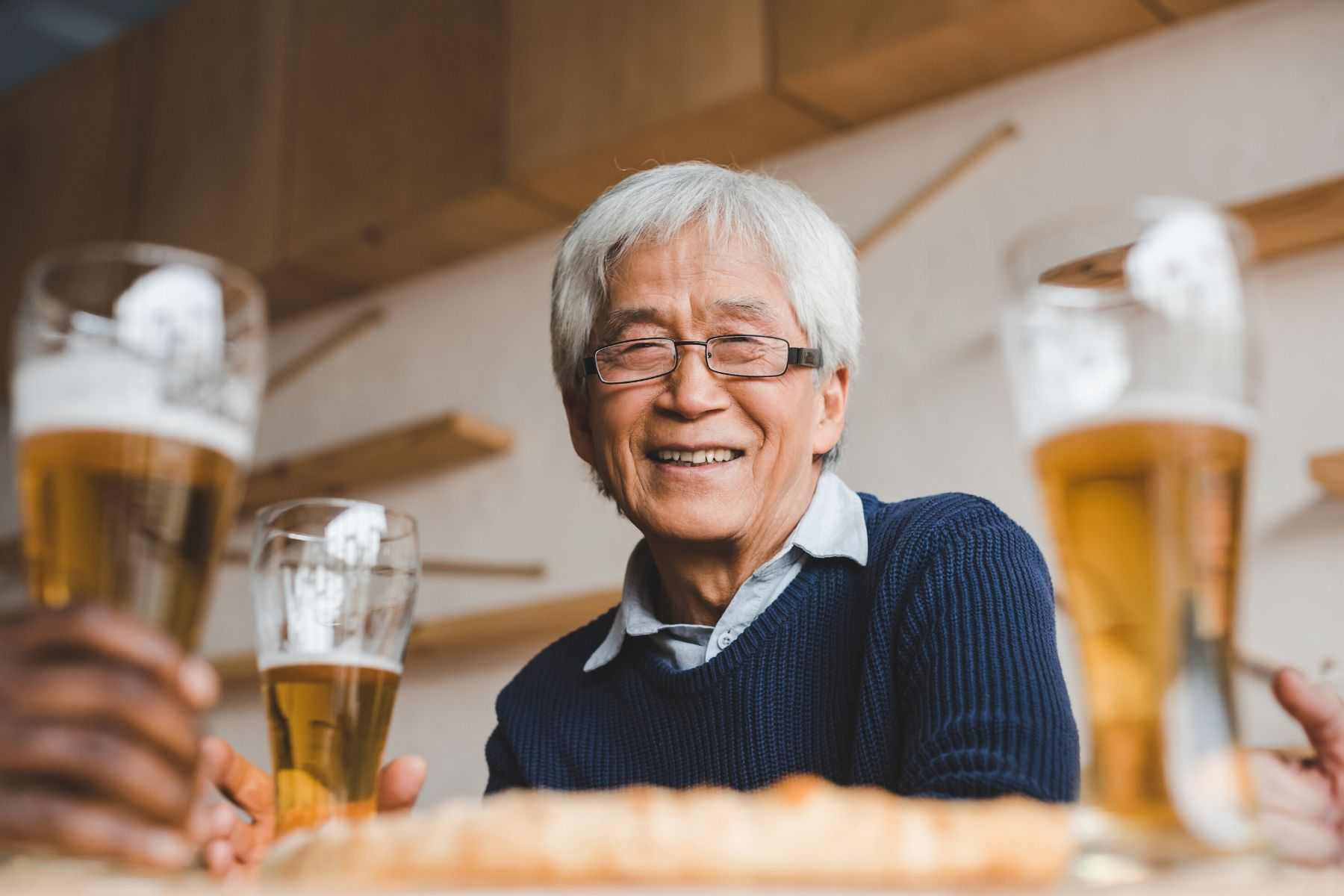 HappyFresh_Health_Benefits_Of-Beer_Old_Man