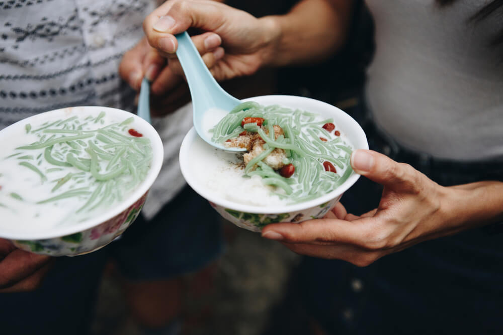 Having cendol by the street