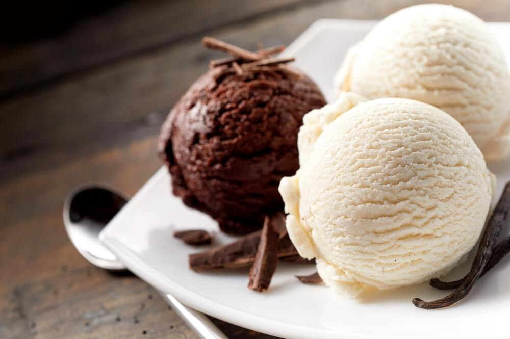 Scoops of vanilla and chocolate ice cream