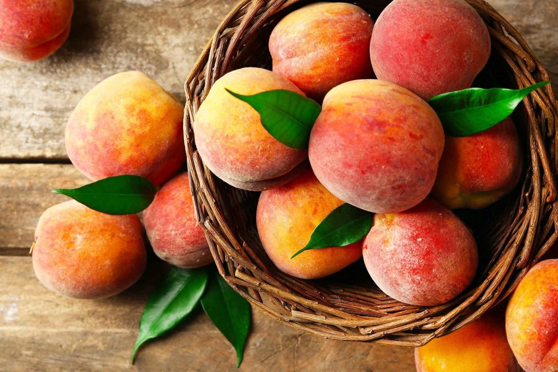 HappyFresh_10_Fruits_For_New_Moms_Peach