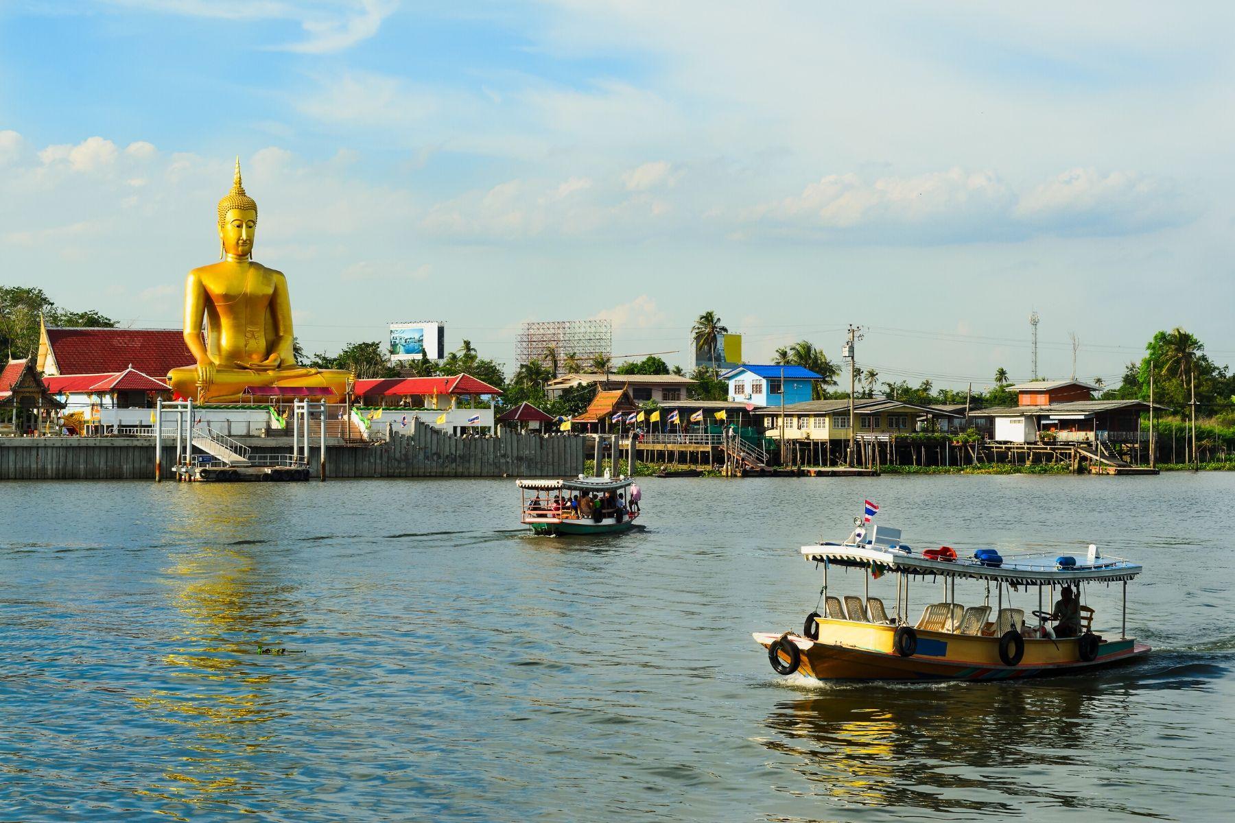 HappyFresh_One_Day_Trip_Near_Bangkok_Koh_Kret_Furry