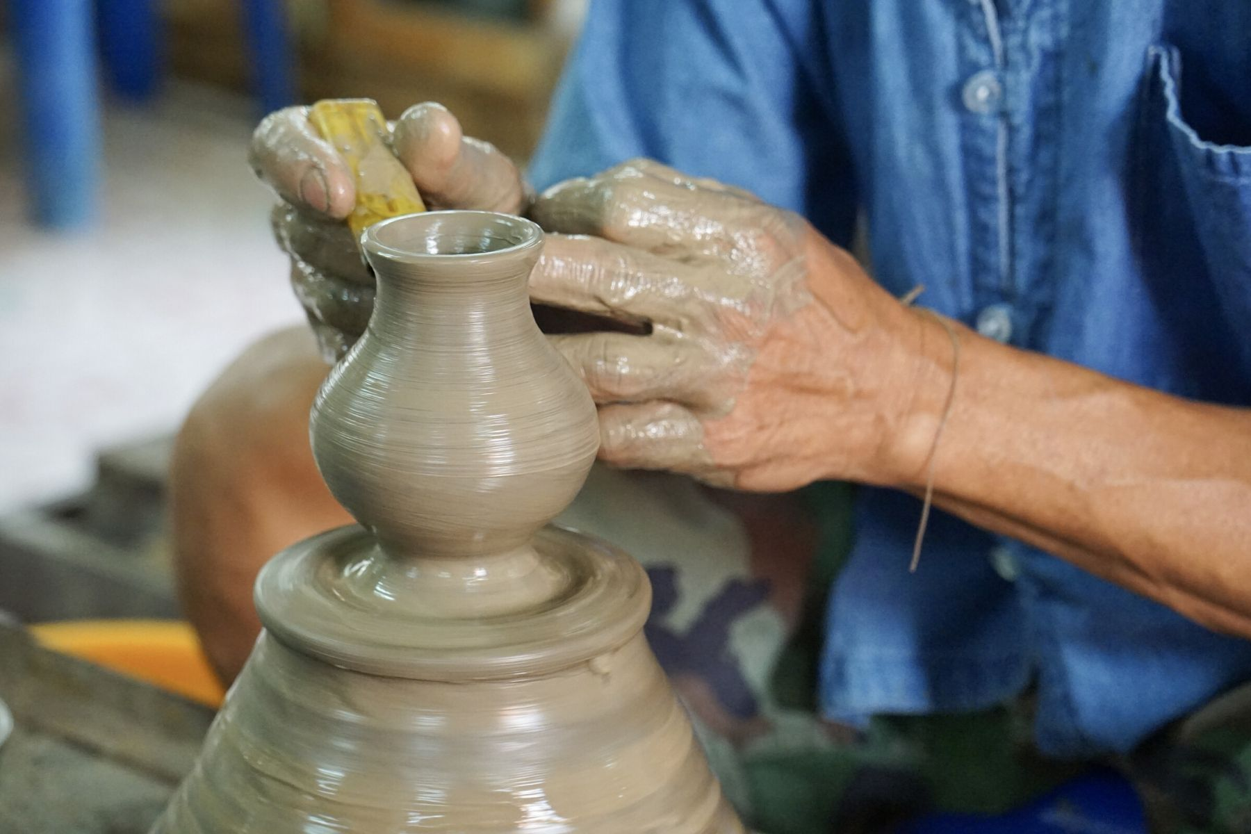 HappyFresh_One_Day_Trip_Near_Bangkok_Koh_Kret_Pottery