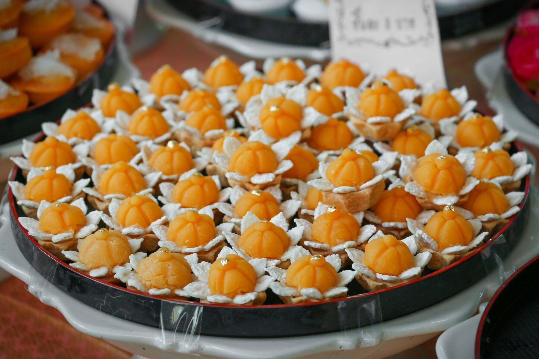 HappyFresh_One_Day_Trip_Near_Koh_Kret_Thai_Desserts