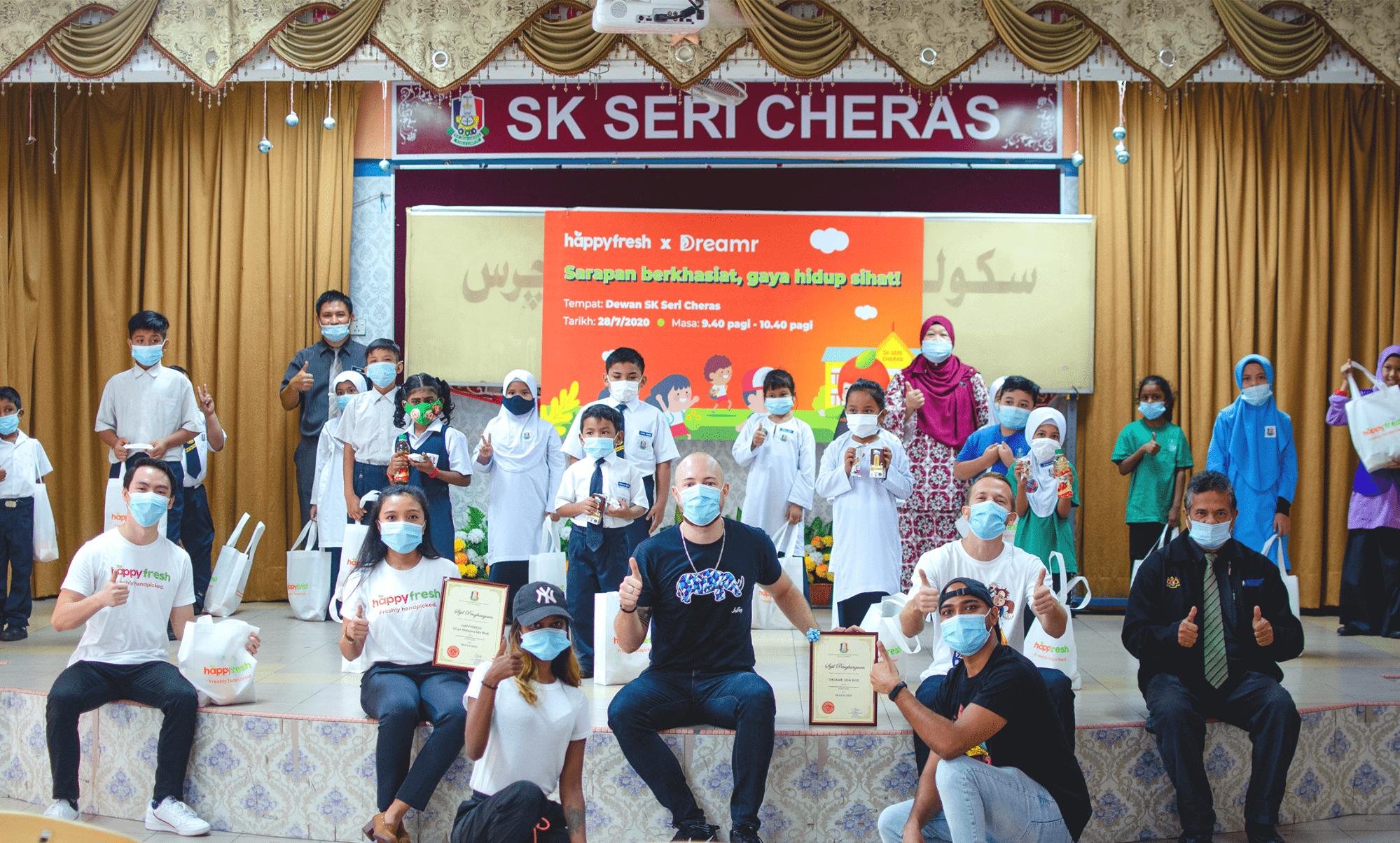 HappyFresh and Dreamr visit SK Sri Cheras