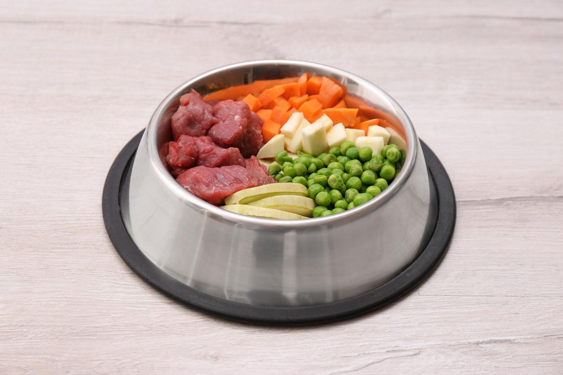 HappyFresh_DIY_Homemade_Dog_Food_In_Bowl