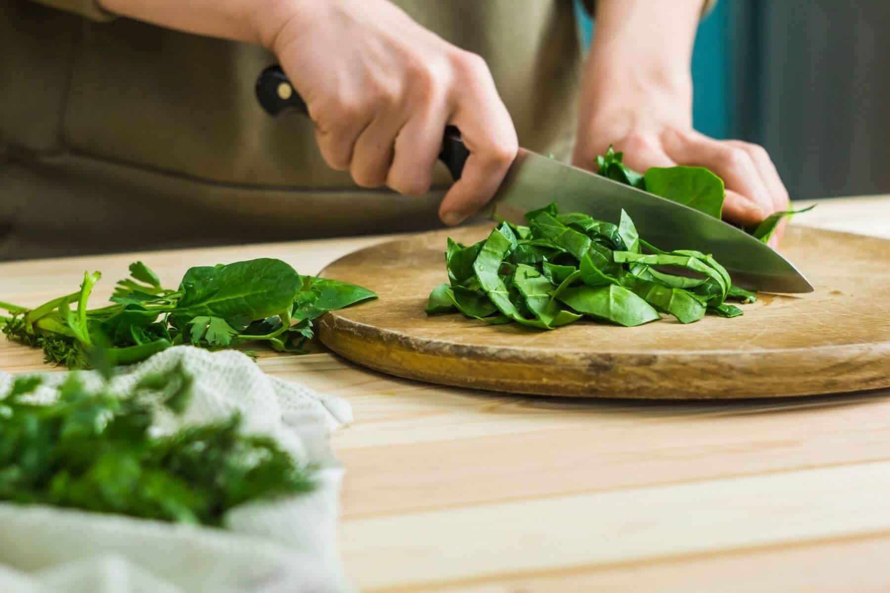 HappyFresh_Homemade_Cheesy_Spinach_Chop_Spinach