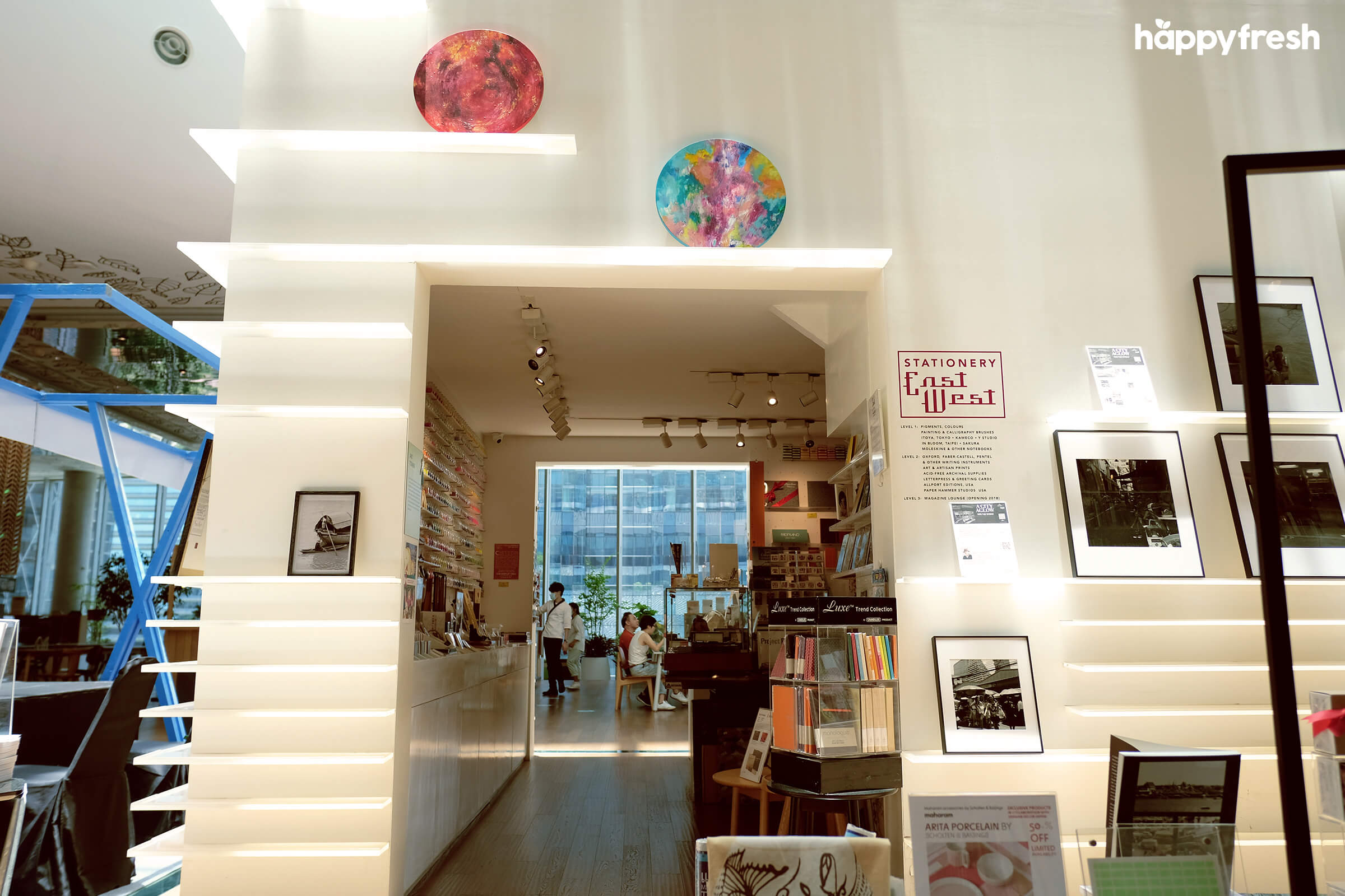 HappyFresh_Review_5_Cafes_Bookstores_In_Bangkok_Open_House_Art_Tower