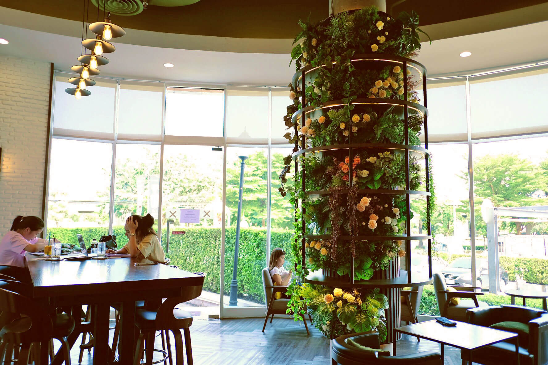 HappyFresh_Review_5_Cafes_Bookstores_In_Bangkok_The_Author_Cafe