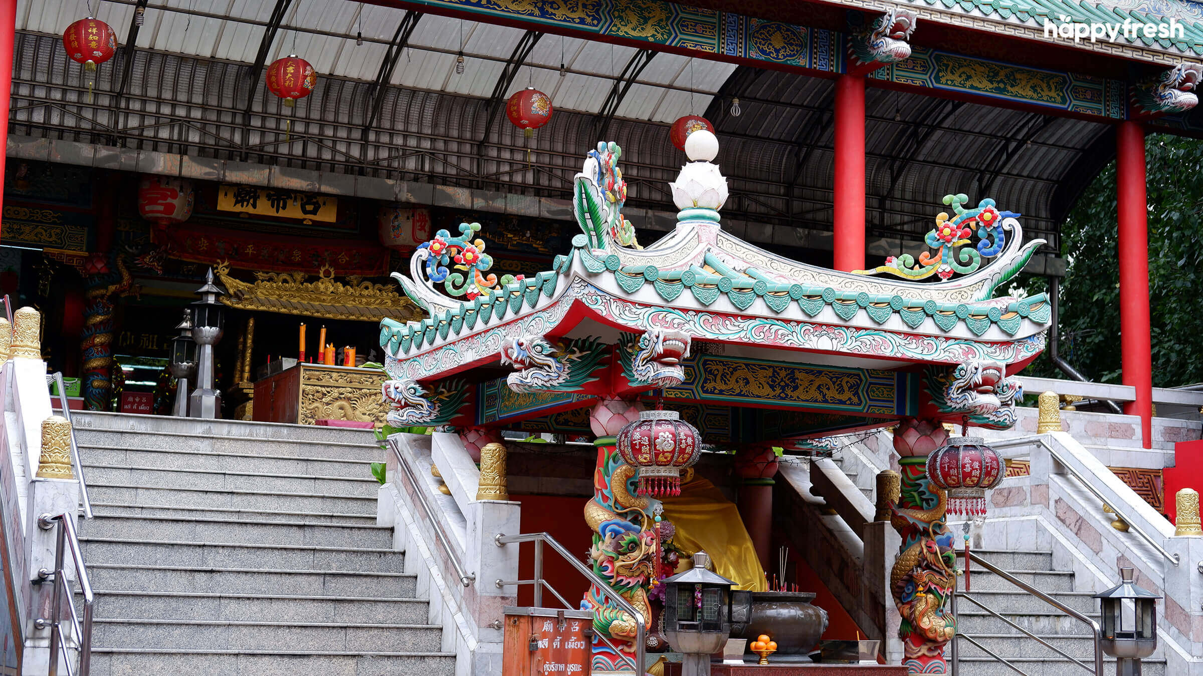 HappyFresh_Visit_6_Chinese_Shrines_In_Chinatown_Lee_Ti_Miew_Shrine