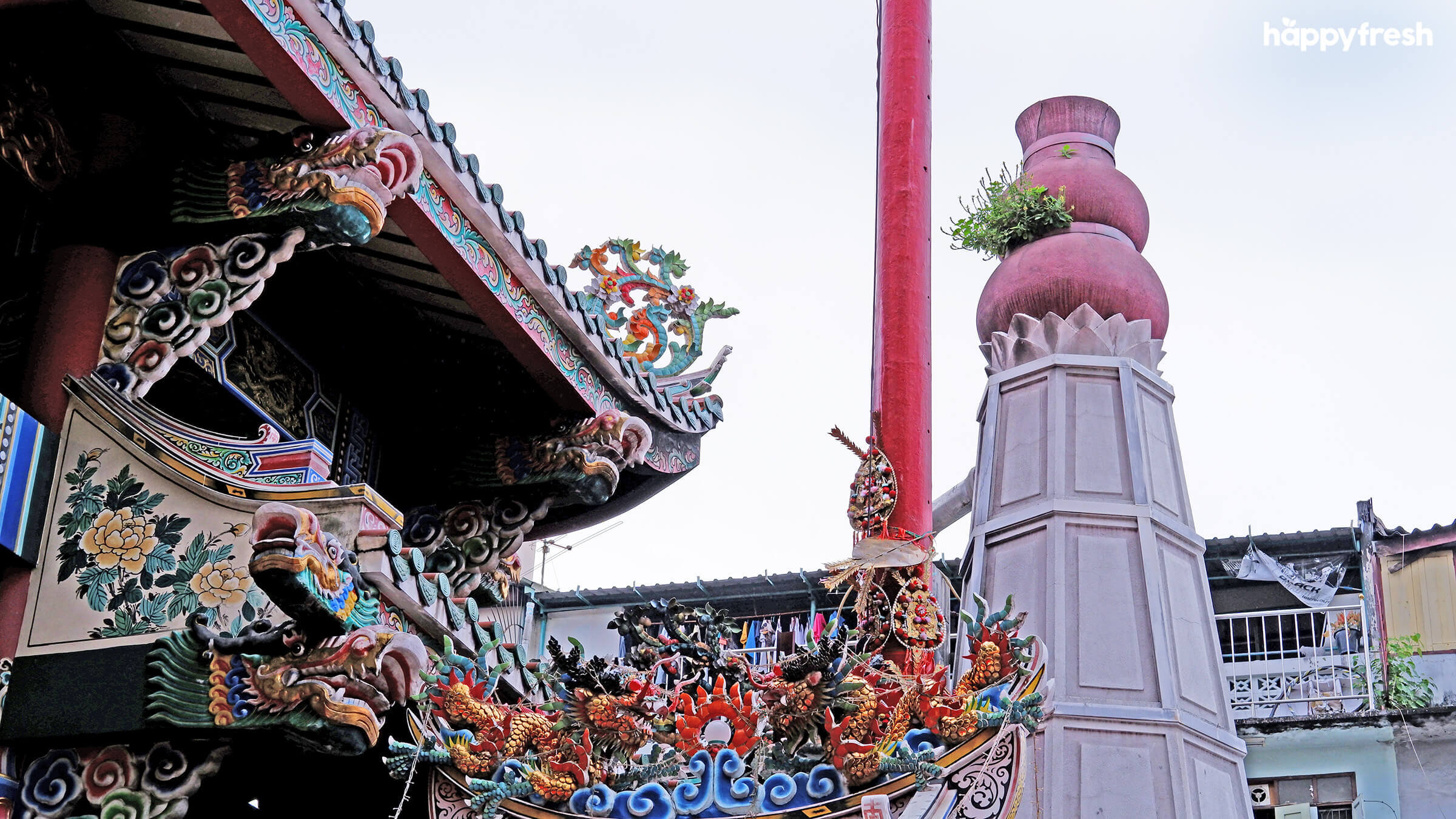 HappyFresh_Visit_6_Chinese_Shrines_In_Chinatown_Tai_Hong_Kong_Shrine_2